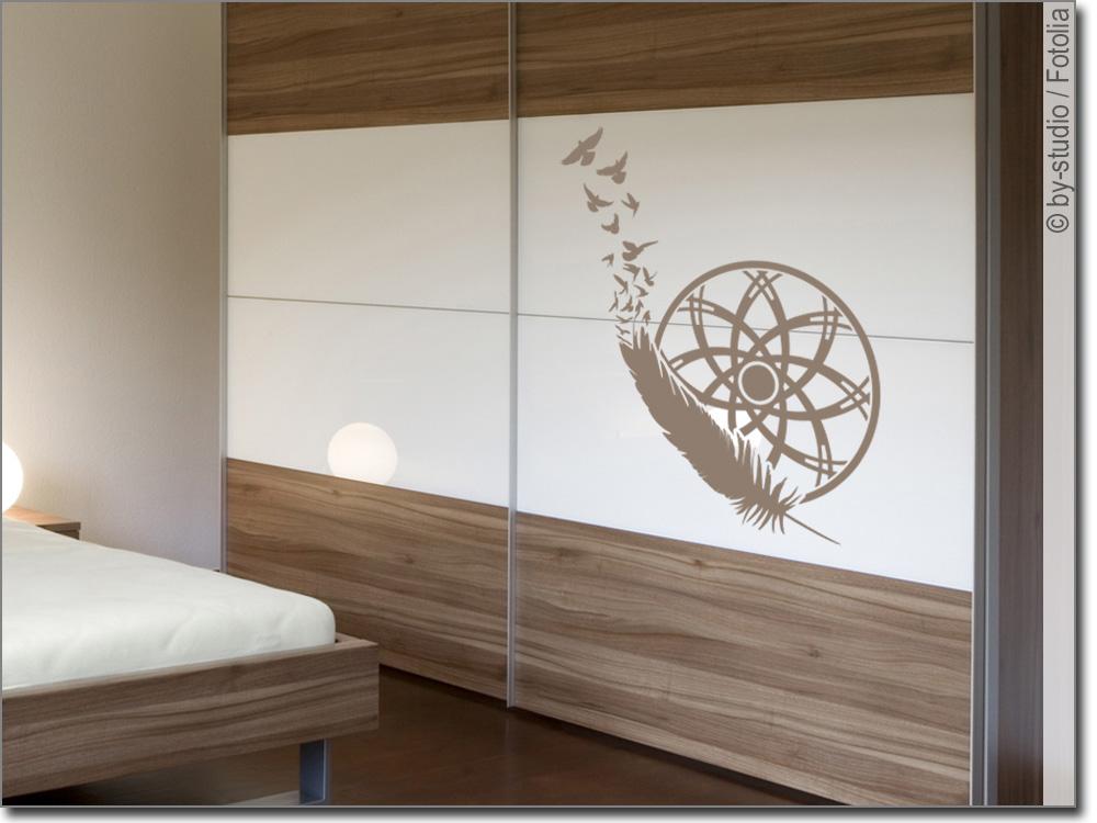 m beltattoo traumf nger mit feder. Black Bedroom Furniture Sets. Home Design Ideas