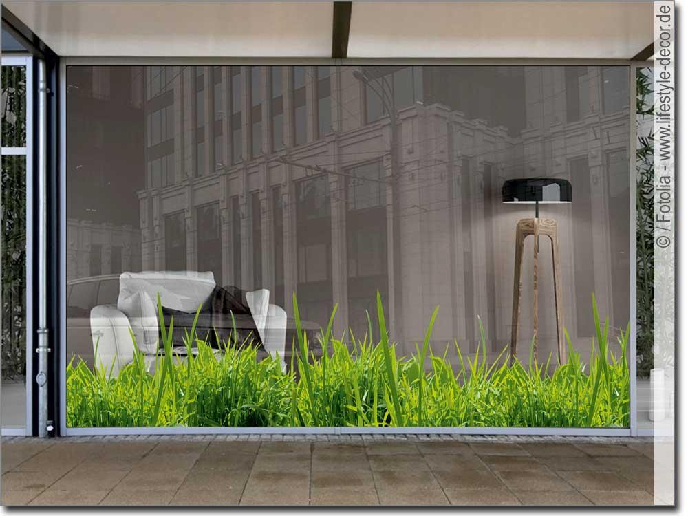 Schaufensterdekoration Gras