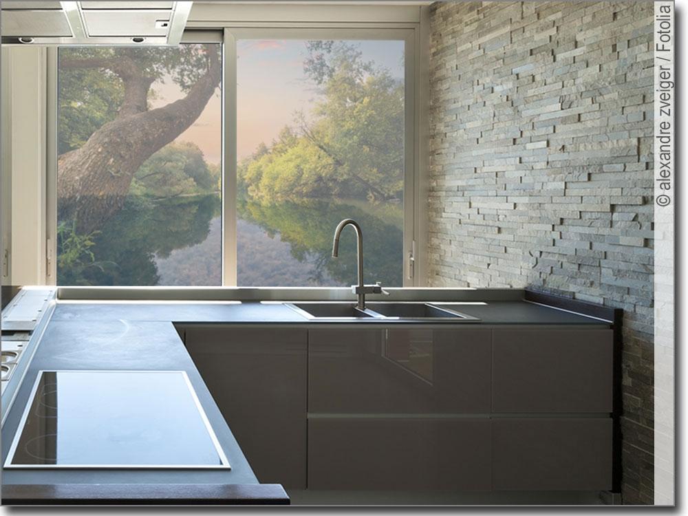 foto auf glas mit dekorativem waldsee fensterfolie. Black Bedroom Furniture Sets. Home Design Ideas